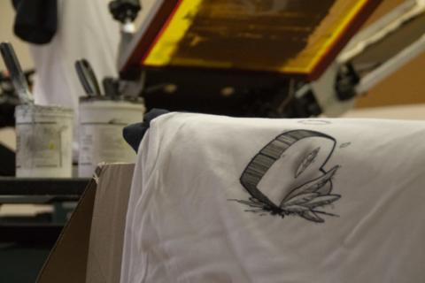 sérigraphie demi-teintes sur t-shirt bicolore